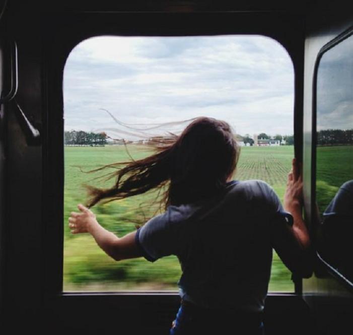 プラネタリウムに足湯、アート列車も。女子旅におすすめの「ユニークな列車の旅3選」