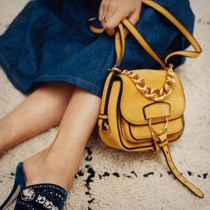 小さいバッグが秋トレンド!一番に手にいれたい、憧れハイブランドの新作バッグ