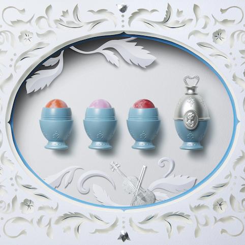 青は幸せの象徴。優しさに包まれた気品溢れるブルーコスメとは?